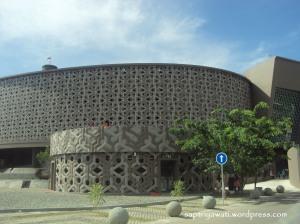 Perjalanan Wisata ke Museum Tsunami Aceh